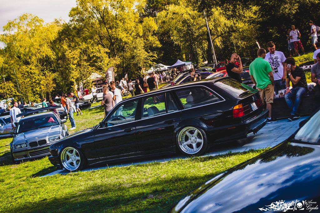 DLEDMV - BMW E34 Touring Slammed - 03