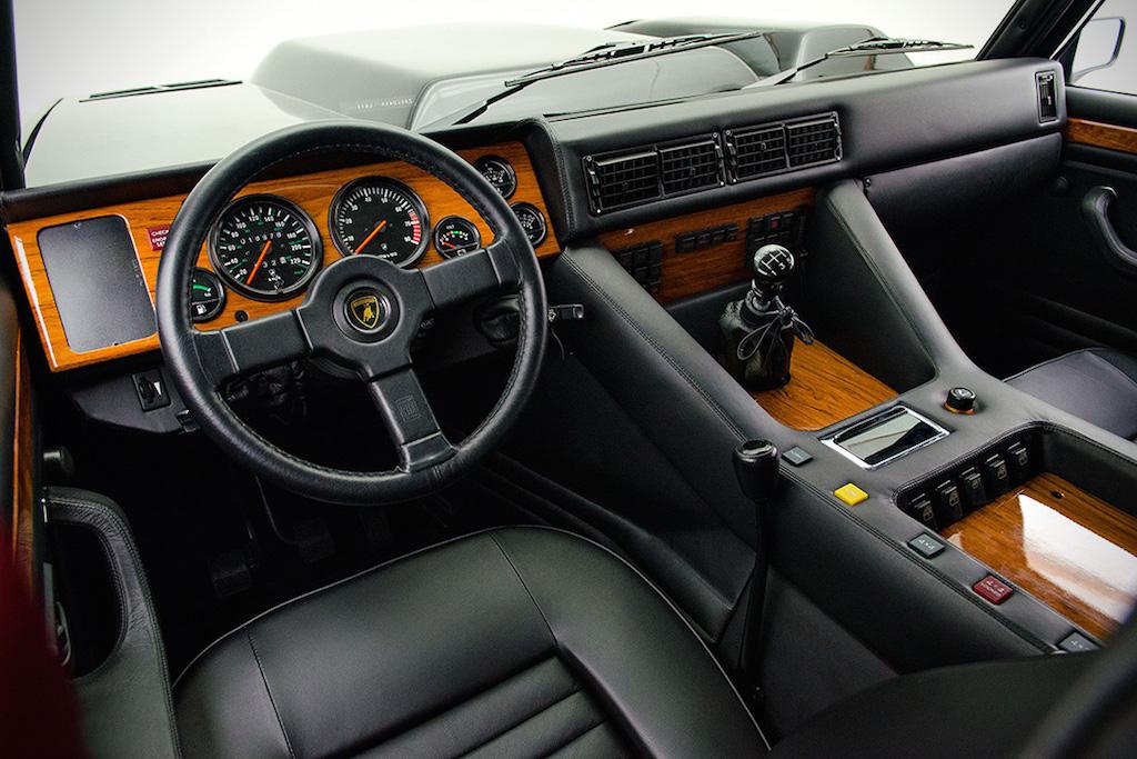 DLEDMV - Lamborghini LM002 - 03