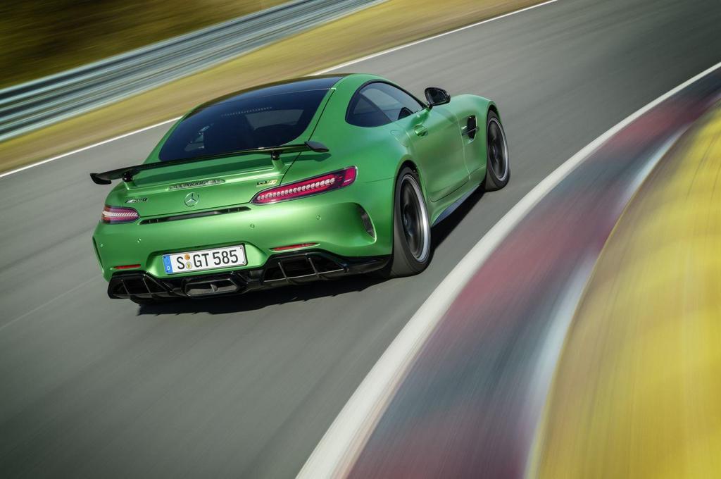 Engine Sound : Mercedes AMG GT R - Allo... Hulk ? C'est toi ?! 15