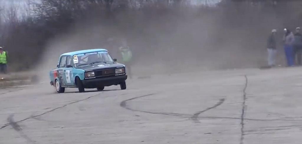 BMW Vs Lada : Travers de porc ! 6