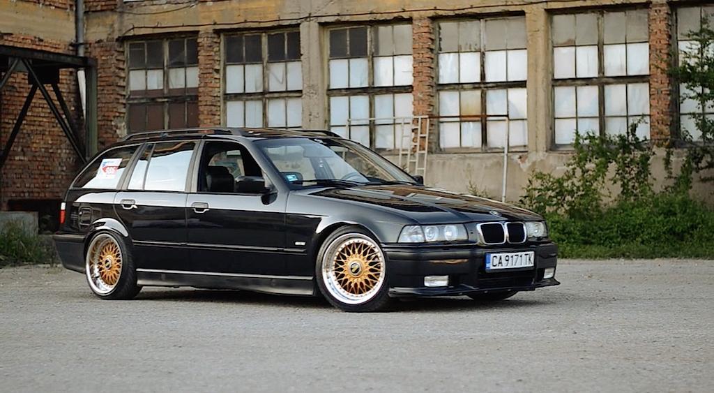 """BMW 328i E36... """"The stanced touring"""" ! 17"""