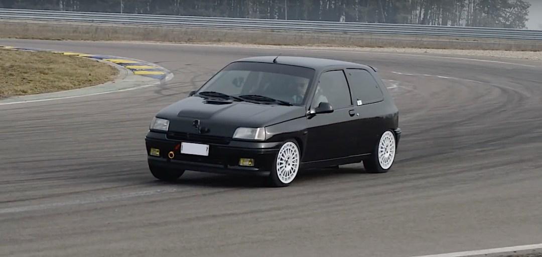Allez, un p'tit tour en Renault dans une Clio 16s turbo de 370 ch... 23