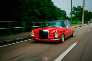DLEDMV - Red bagged Benz W108 - 11