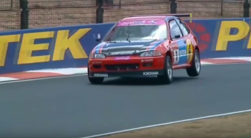 Australian Improved Production - Quand une Civic ridiculise les V8 ! 22