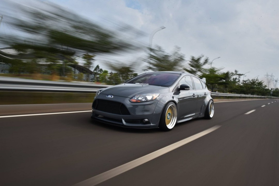 Ford Focus WideBody - Sobre et efficace... 32