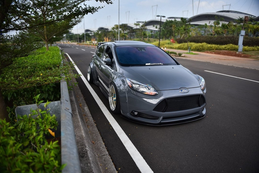 Ford Focus WideBody - Sobre et efficace... 25