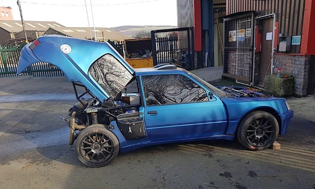 Peugeot 205 Twin V6... Sont fous ces anglais ?! 25