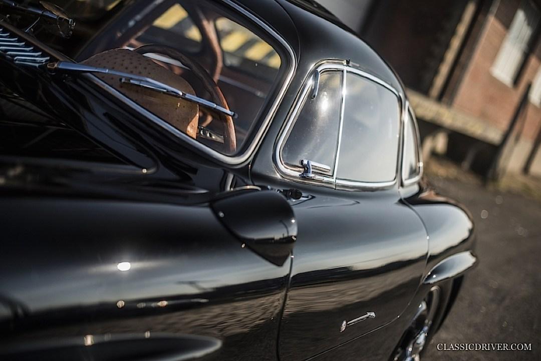 Mercedes 300 SL outlaw... en top chop et side pipe ! 99