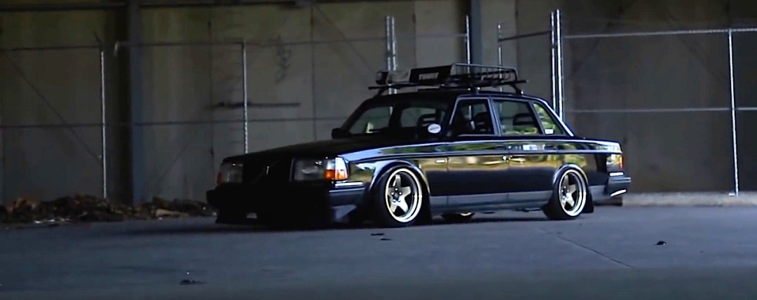 Slammed Volvo 240 - Blake in black ! 17