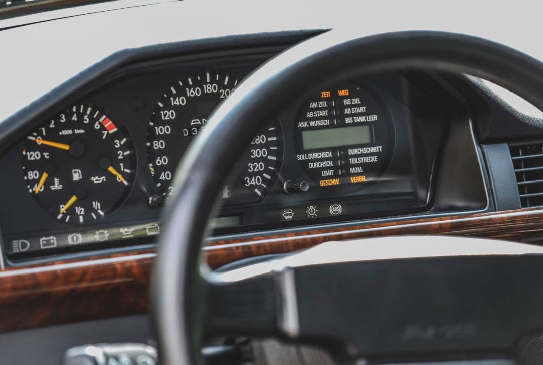 Mercedes 300 CE AMG 6.0 - Here come the Hammer ! 33