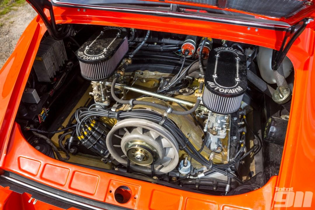 Parlons moteurs... Le légende passe aussi par eux. 184