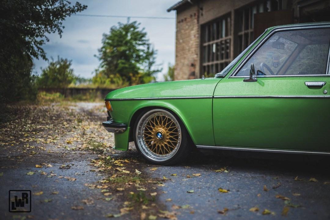 Slammed BMW E3 Bavaria - Allez, on se met un peu au vert ! 27