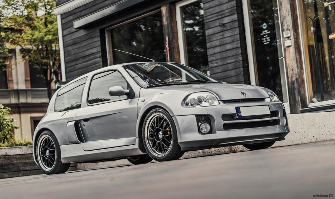 Clio V6... Made in Japan ! 35