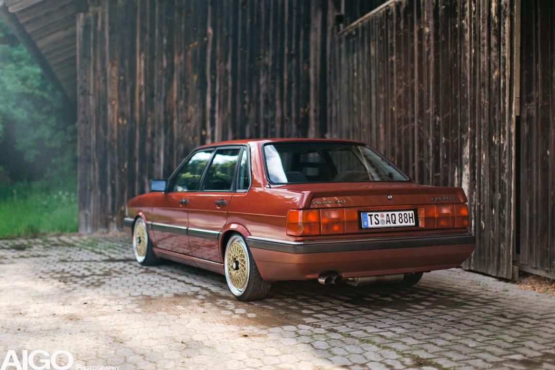 Audi 90 Quattro - Low & slow en BBS 24