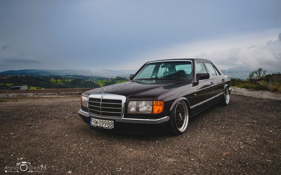 Bagged Mercedes 280 SE W126 par Magic Garage 30