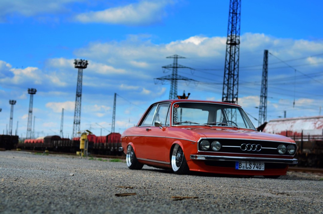 Slammed Audi 100 C1 Coupé - Survivor ! 46