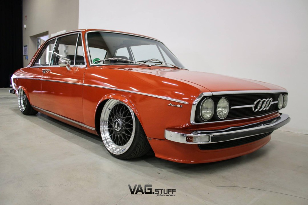 Slammed Audi 100 C1 Coupé - Survivor ! 41