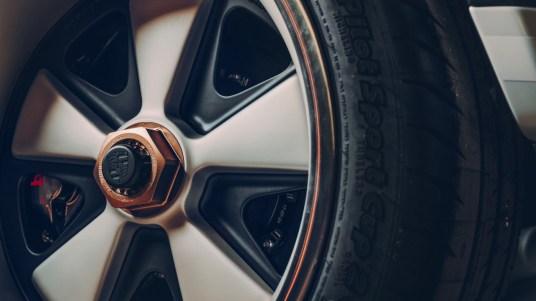 DLEDMV 2K18 - Porsche 911 Singer Dynamics and Lightweighting Study - 02