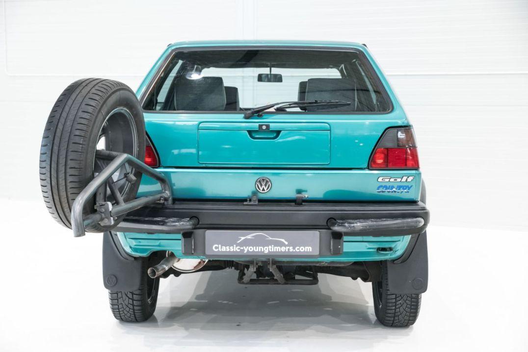DLEDMV VW Golf Country - L'anti-stance dans la boue 01