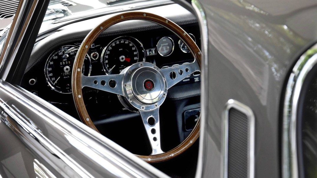 DLEDMV 2K19 - Jaguar Type E V12 Restomod - 01