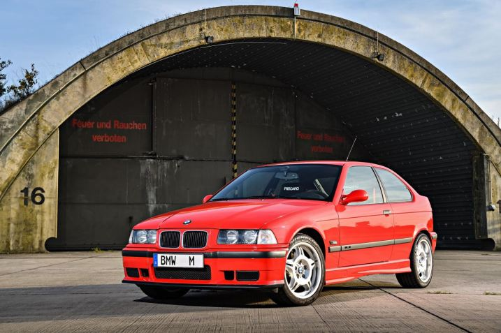 DLEDMV 2K19 - BMW M3 Serie Limitée E36 Compact - 001