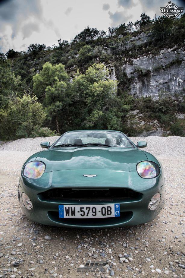 DLEDMV - L'Aston Martin DB7 d'Hedi - Champagne, petits fours et clef de 13 03