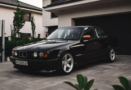 DLEDMV BMW 540i E34 de 1994 - Avec un 6 en ligne compressé 14