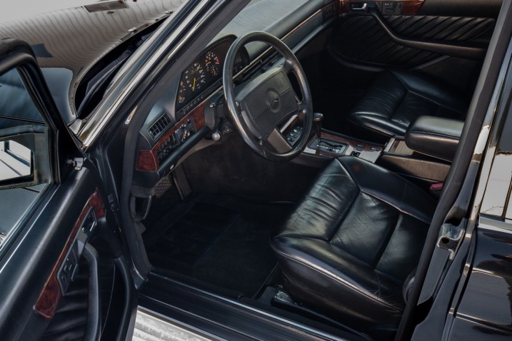 DLEDMV 2021 - Mercedes 560 TEL break RM Sotheby's - 019