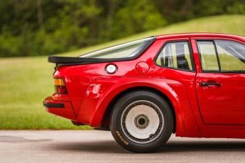 DLEDMV 2021 - Porsche 924 GTR RM Sotheby's - 007