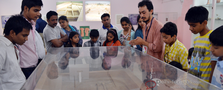 Our guide Anwar Hussain started the tour with the Harappan Gallery and showed us some salient displays from that era.