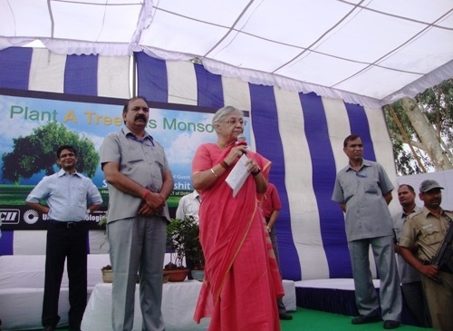 Green Leap Delhi: CM Sheila Dikshit Urges Citizens to Plant Million Trees This Monsoon