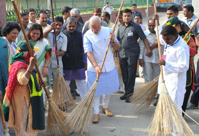 pm-modi-the-visionary-cleaner