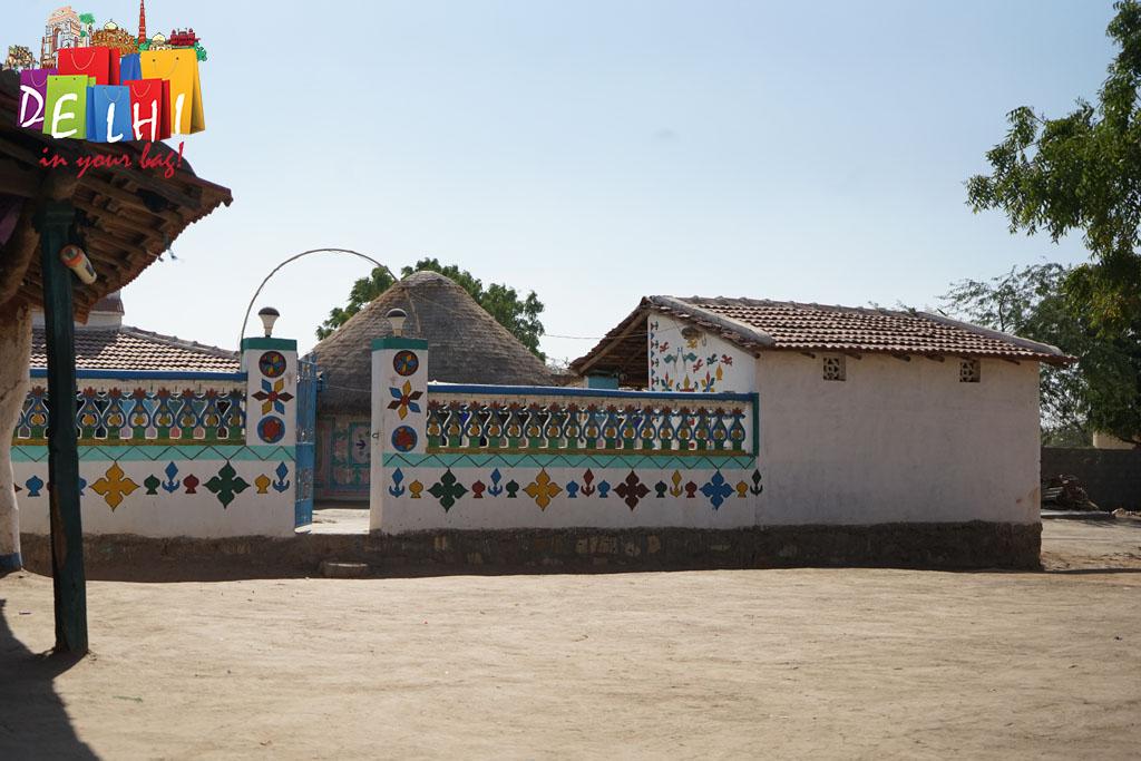 Ludiya Handpainted walls