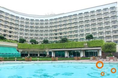 taj-palace-delhi-swimming-pool