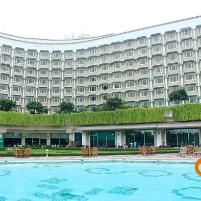 taj-palace-delhi-swimming-pool