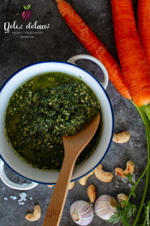 veganes Pesto vom Karottengrün 🥕🥕