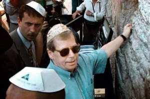 """""""Zpochybňovat Izrael je nepřípustné..."""" Václav Havel"""
