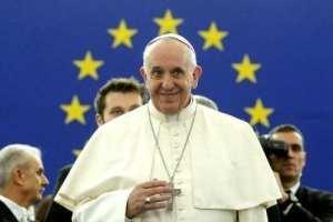 V konečném důsledku náš lidskoprávnický papež často zní jako sluníčkový univerzalistický levičák