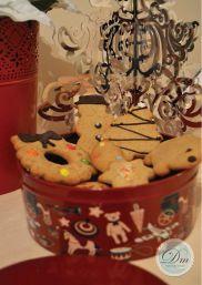 Lata pequeña redonda de galletas de jengibre