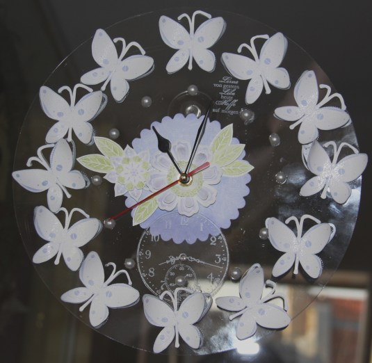 Weiße Uhr / mein Muster