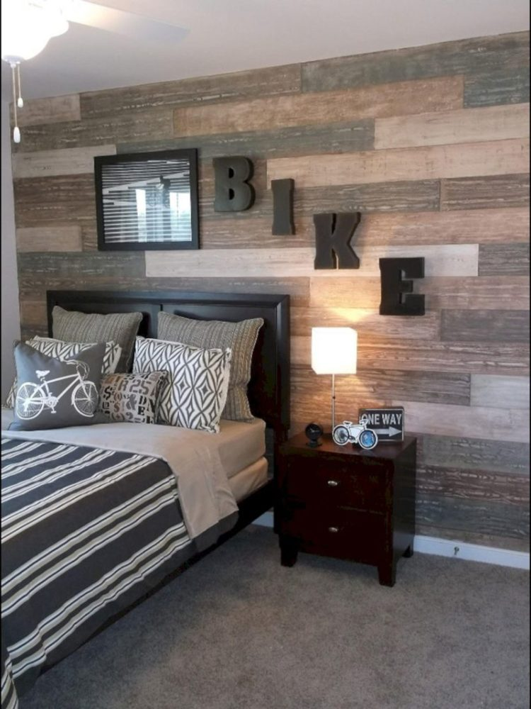 Shabby Wood Accent Wall