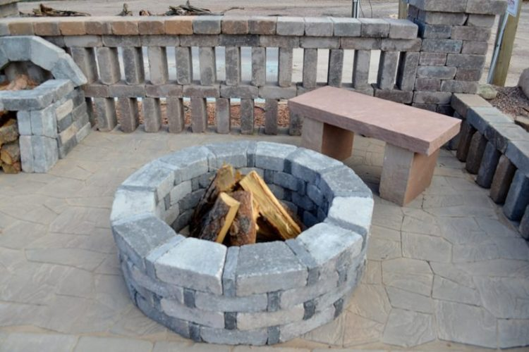 Cinder block fire pit grill