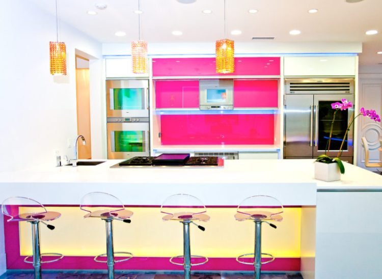 The Fuchsia Fusion kitchen
