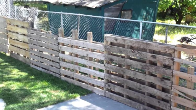 Pallet fence for goats, pet, pig, or horses