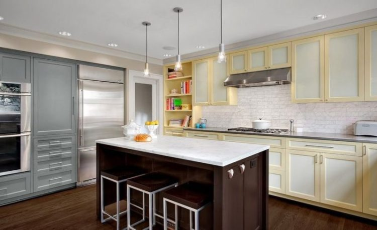 Cottage Two Tone Kitchen Cabinets Design