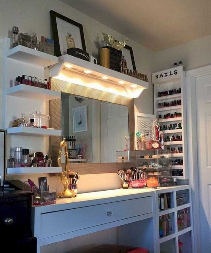 makeup vanity table with lamp