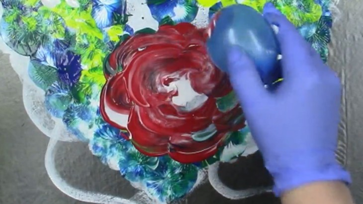 creating a rose with a water balloon