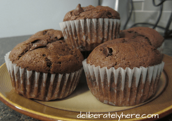 banana muffins, muffins, sweet treats, dessert, snacks, healthy food, chocolate, banana chocolate chip muffins, homemade