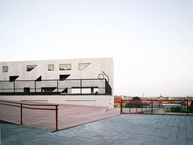 """Etablissement d'enseignement agricole - """"Everything architecture"""" par l'agence belge basée a Bruxelles OFFICE, Kersten Geers et David Van Severen"""