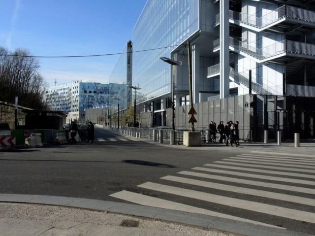 36, rue du Bastion (Tribunal de Grande Instance, Paris, Porte de Clichy). Photo ©Gilles Walusinski